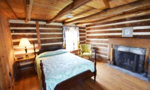Bedroom 1 with 1 Queen