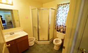 Bathroom in Hallway for Bedrooms 2 and 3