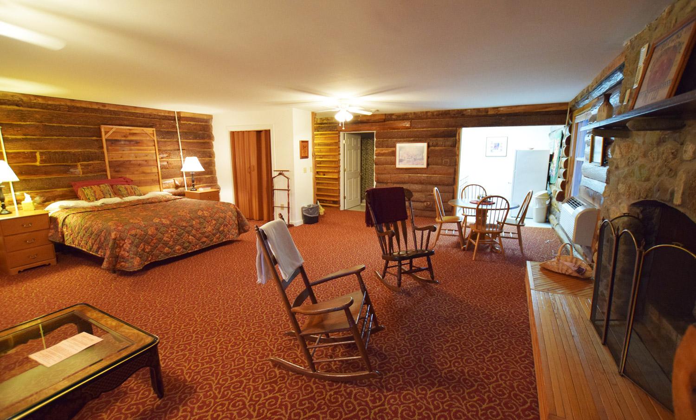 Poplar King Suite