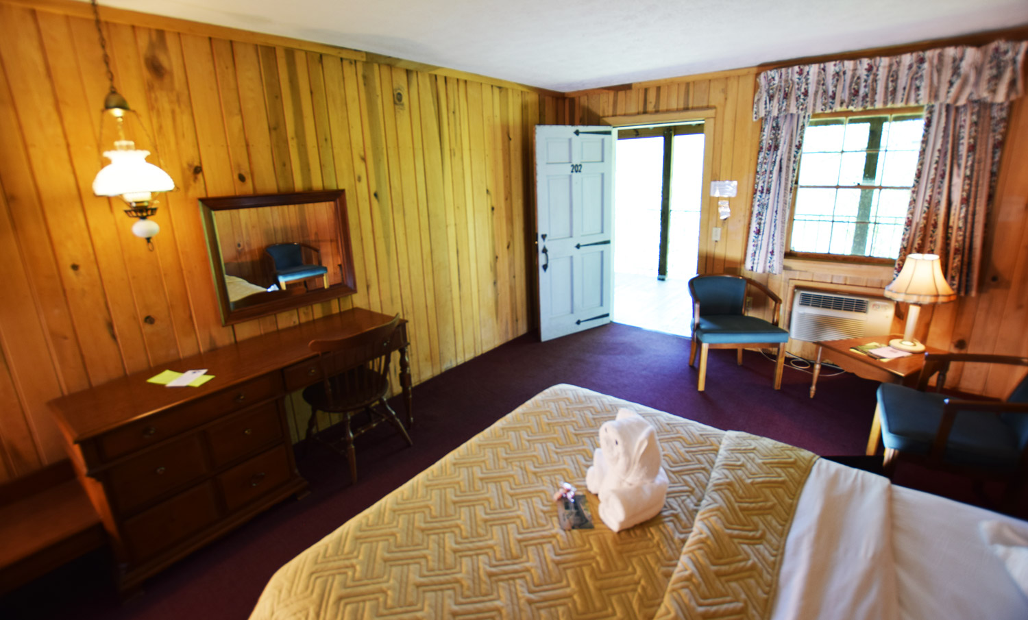 Lodge guest room at Graves Mountain Farm & Lodges by Shenadoah National Park in the VA Blue Ridge