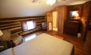 Bedrom 1 - 1 Queen Bed