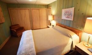Bedroom One - 1 queen