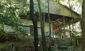 Wild Wind Log Cabin on Robinson River